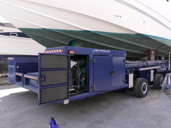 Motor industrial del barco.